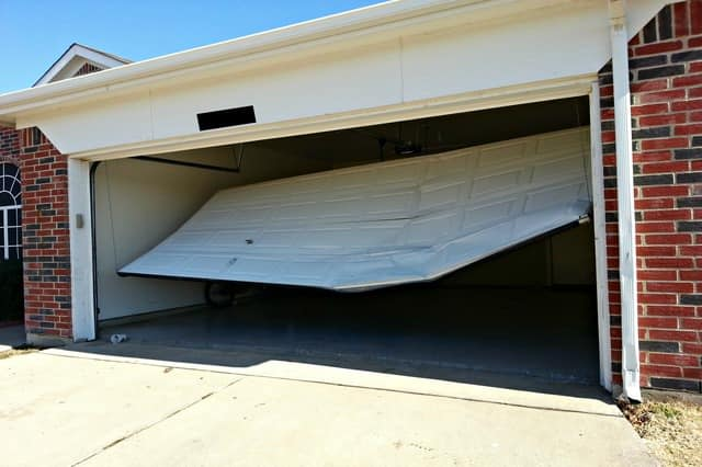 Emergency_Garage_Door_installation