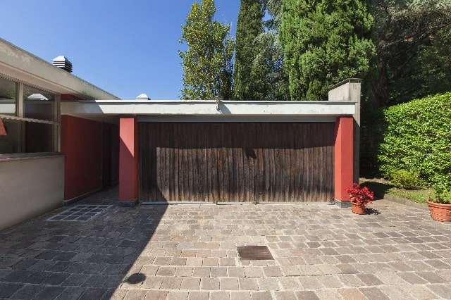 all_steel_sandwich_carriage_house_door_repair