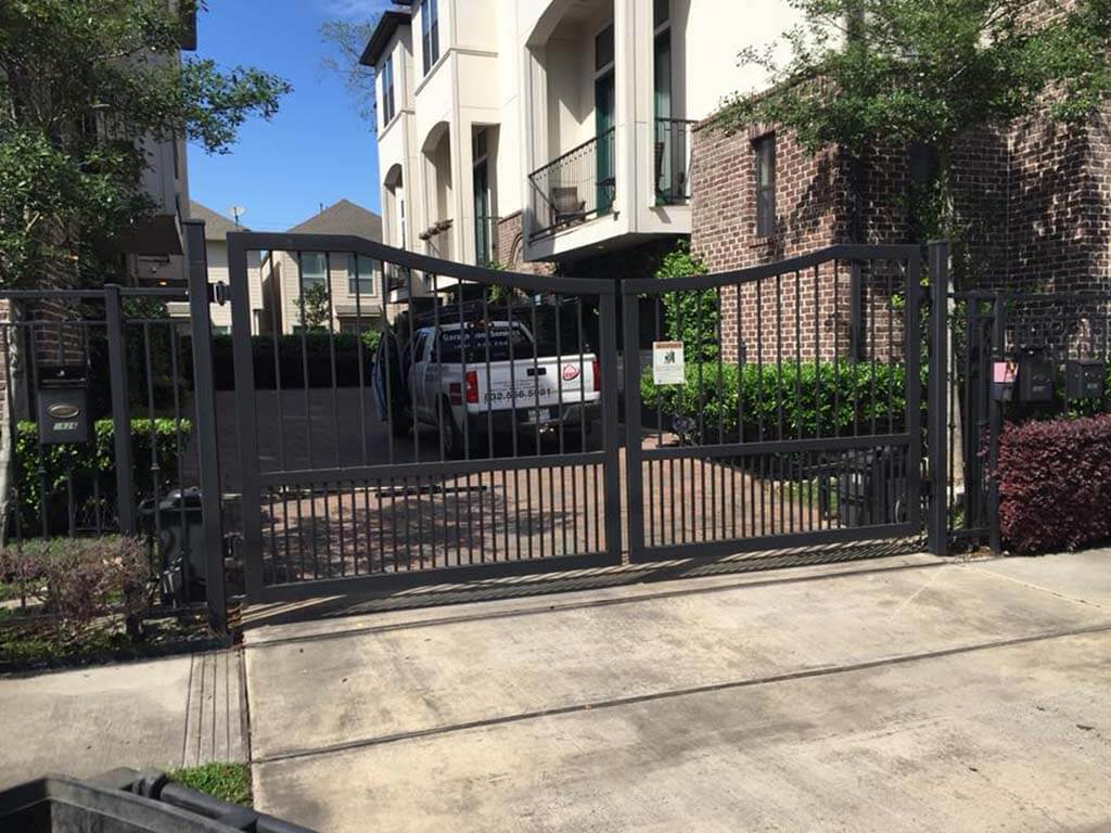 automatic swing gate installation (2)