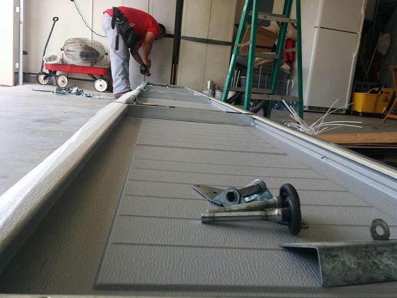 Choosing The Best Garage Door Repair Service