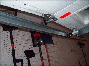 garage-door-track-repair