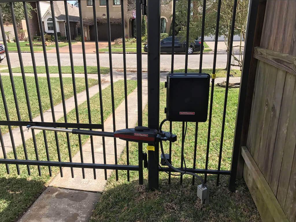 liftmaster swing driveway gate opener