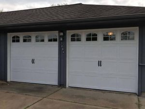 two-white-carrige_style_garage_door_with_windows (2)