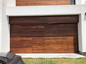 wood-garage-ddor