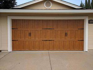 wooden_door_garage